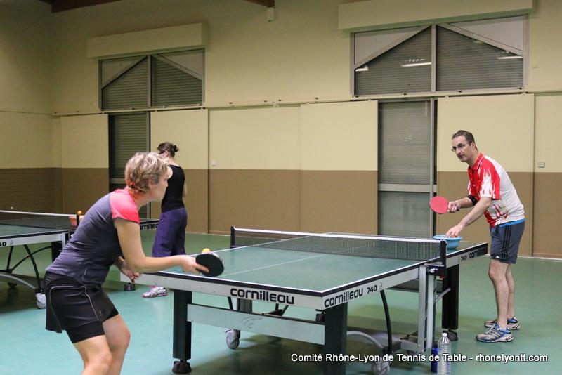 Partenariat tables butterfly centrefold 25 bleue 690 for Tennis de table lyon 6